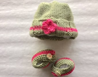 Spring Time New Born Baby Hat & Bootie Set