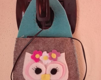 Cellphone in charge Owl felt Pannolenci