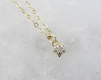 Gold Fill Star Necklace / Star Layering Necklace / Adjustable Star Necklace / Delicate Star Necklace / Tiny Star / Gifts For Her