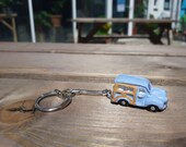Morris Minor Traveller Key Ring