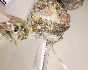 Luxurious Vintage Wedding Brooch Bouquet