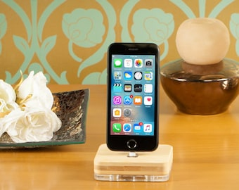 iphone dock, iphone 7 docking station, iphone 8 charging dock, iphone 6 charging station, iphone x charger dock, apple dock, airpods dock