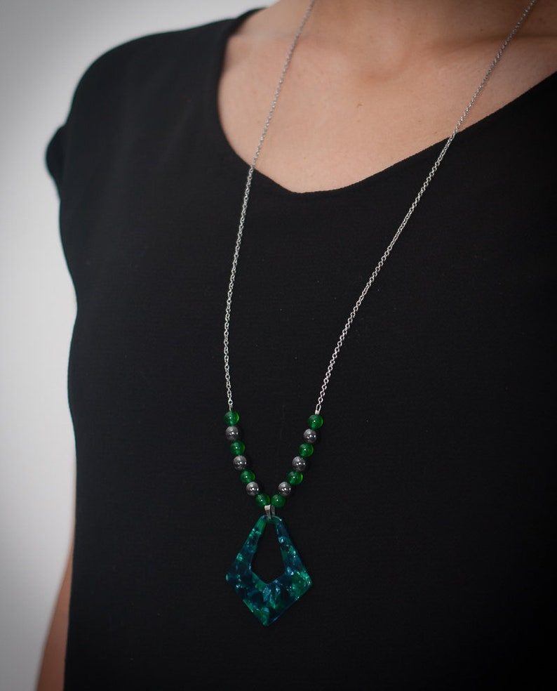 Green and black resin asymmetric necklace green jade natural stone woman necklace woman gift stainless steel chain Hematite bead