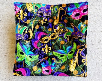 Mardi gras masks and fireworks quilted cotton reversible microwavable soup bowl holder or cozy