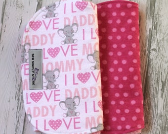 I Love Daddy Green mini print Burp cloth gift set in Letters and Numbers