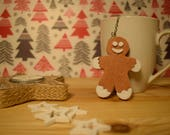 Tea infuser with gingerbread man