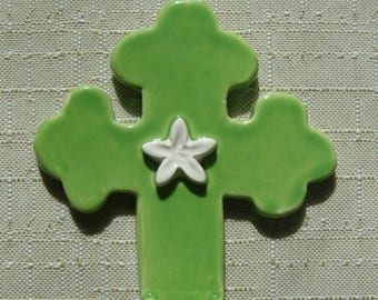 Small font/crucifix spring green, orange blossom white