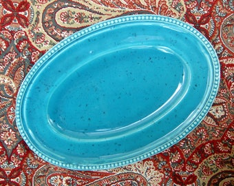 Flat oval dish, turquoise border perlee