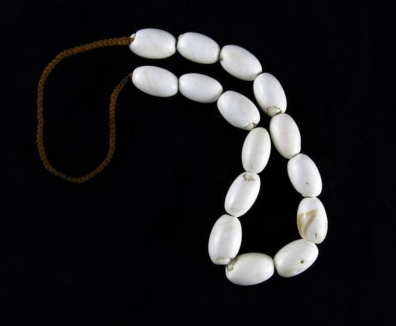 Old shell necklace, tribal shell necklace, Naga tr