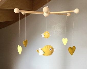 Baby mobile / mobile wood / birds and hearts mobile / baby room decoration