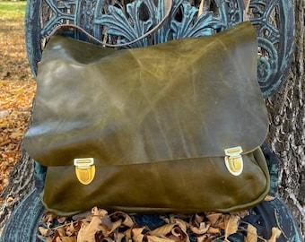 Distressed Green Leather Messenger Style Bag, Backpack/Shoulder Bag, Outside pocket, Removable inside Zippered pouch, Perfect Bag