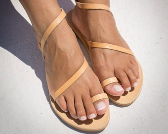 Toe ring womens sandals Minimalist sandals Leather sandals Handmade summer shoes Elegant women leather sandals Tan leather sandals NISYRIA