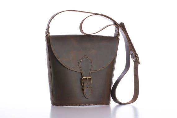 dfe9fe4e716c Brown leather crossbody bag   Woman shoulder bag   Simple
