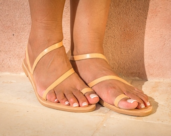 Toe ring sandals / Womens Leather sandals / Strappy greek sandals / Flat leather sandals / tan flat shoes / Summer sandals / NISYRIA