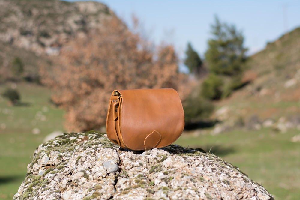 Leather saddle bag Cognac crossbody bag Taba leather bag Leather handbag  Leather purses Mothers day gift Shoulder bag Vintage 70s style