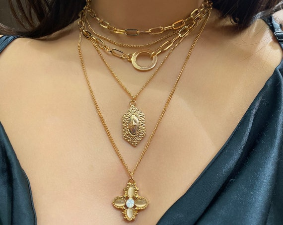 Multi-layer Curb Link Chain Relief Charm Pendant Choker Necklace