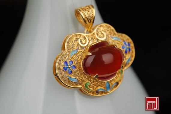 Antique Handmade Filigree Inlay 24k Gold Plated Sterling Silver Palace Museum Style Agate Pendant