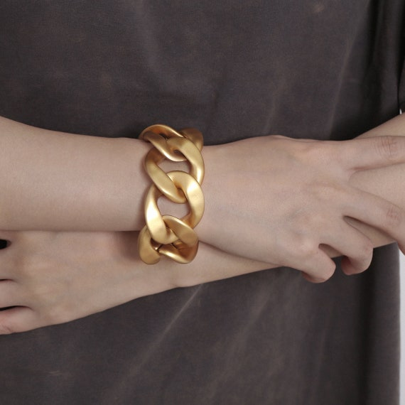 Chunky Gold Tone Metal Chain Collar Bracelet