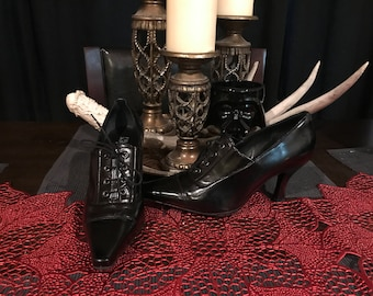 Vintage Patent Franco Sarto Pointy Toed Witchy Tie up  Ankle Boots