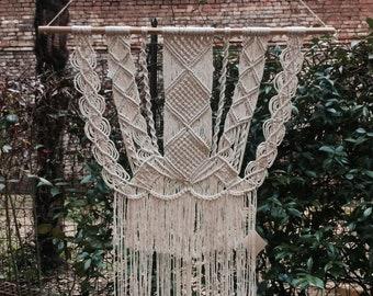 macrame wall hanging / 100% cotton cord / ecru / wood