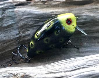 Custom painted DARK KNIGHT Shallow Diver Wakebait