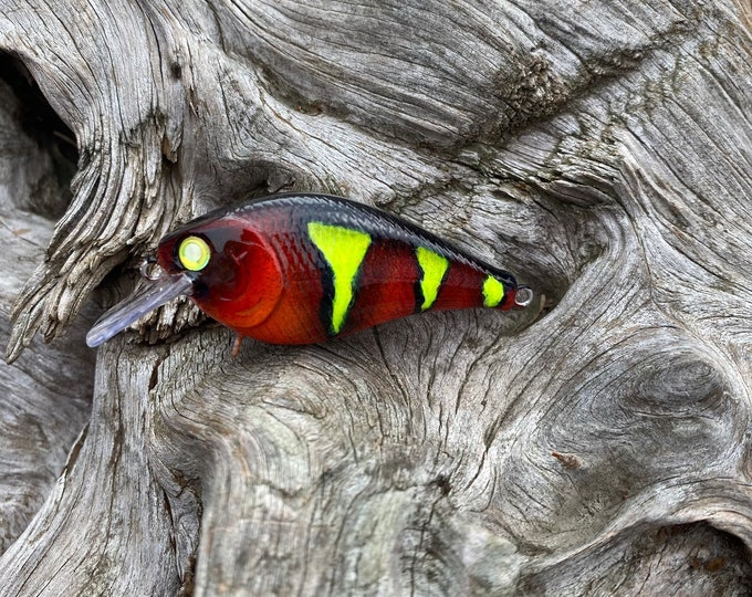 Custom Painted HIGH VOLTAGE 1.5 Square Bill Shallow Diver Crankbait