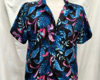 Women's Rockabilly Short-Sleeved Shirt Top Blouse with Blue Pink Tropical Floral Print, Casual Button-Up Beach Shirt