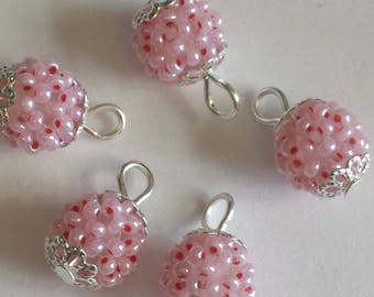 4 pendants seed beads (2.5 mm) light pink mother of Pearl
