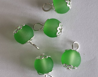 5 pendants 8mm frosted green glass beads