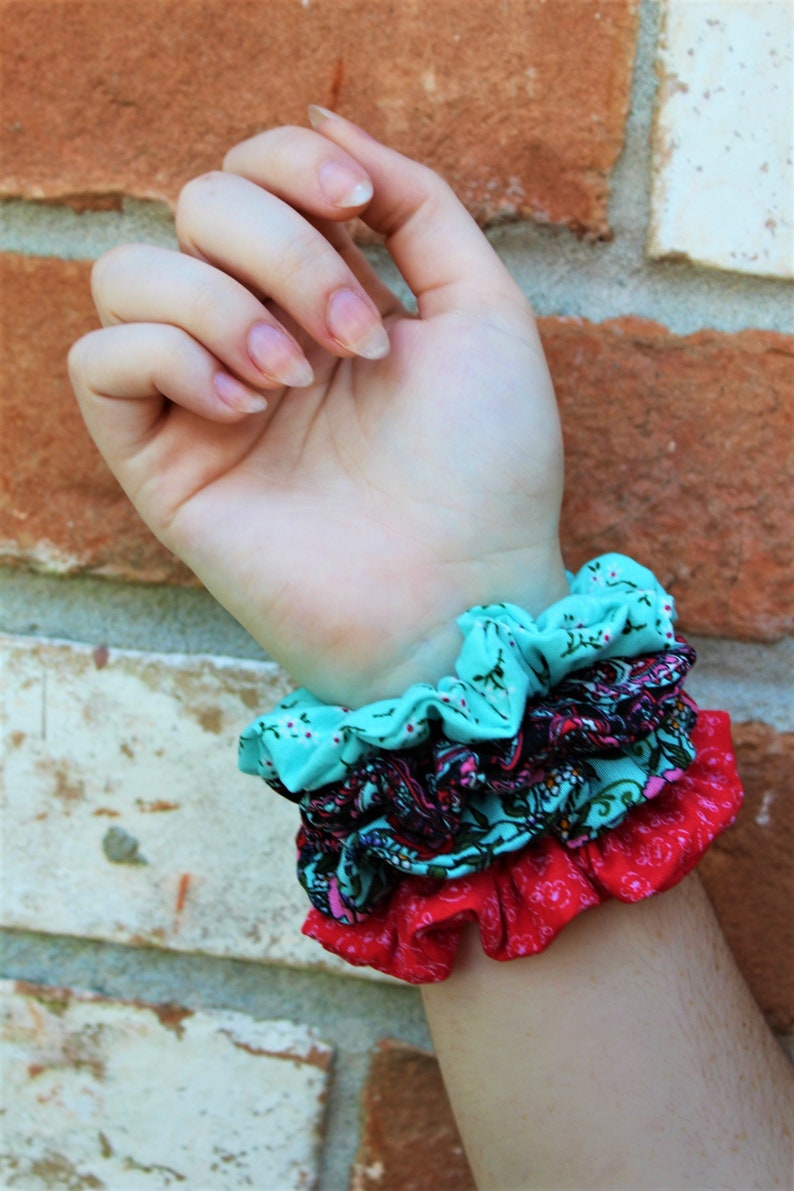 Set of 4 Scrunchies / Floral / Party Favor / Care Package / image 0