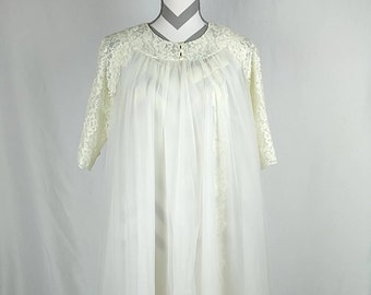 Vintage 1960's ShadowTime Nightie and Peignoir in Ivory Small