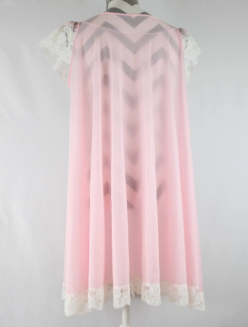 Vintage 1960/'s Miss Elaine Embroidered Sheer Nightgown and Robe Set Pink with White Lace Trim