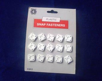 15 plastic snap fastener