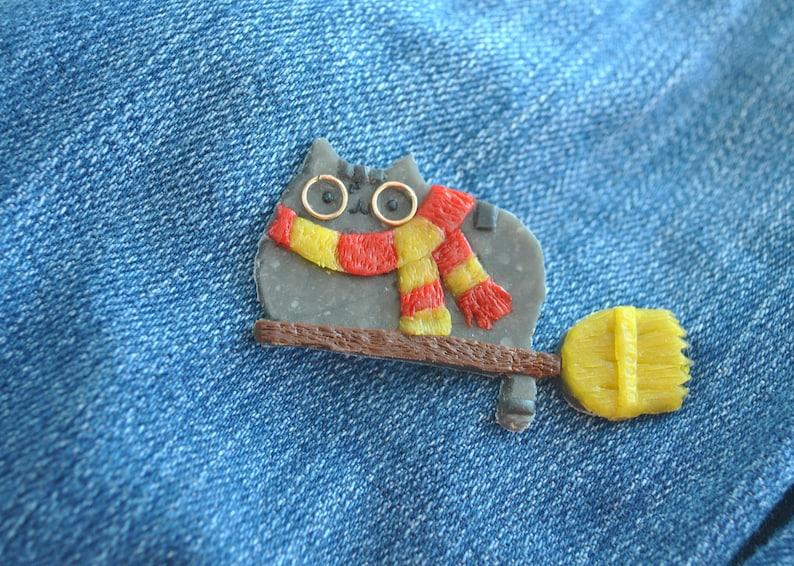 Brooch brooch polymer clay,Hogwarts earrings,wizard pendant,girlfriend gift for her,Pusheen cat brooch,Lovely kawaii.Griffindor