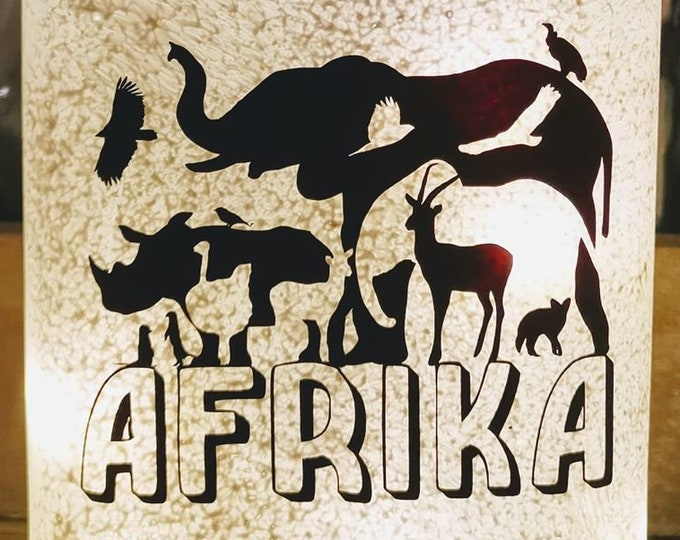 Africa Hidden Object to Deco Plotting Print 14 Animals in a Great Shadow Image