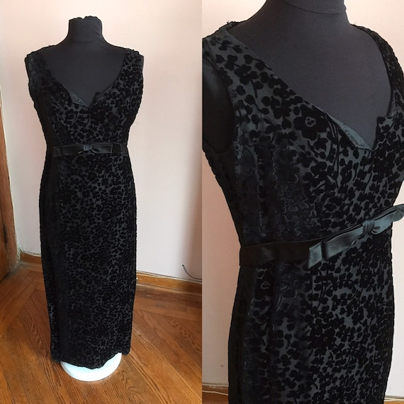 Vintage 1960s Black Velvet Floral Evening Gown