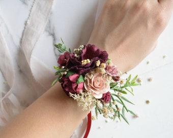 Burgundy Flower wrist corsage, Floral wrist corsage, Bridesmaids wrist corsage,Blush burgundy wedding,flower bracelet,burgundy wedding,red