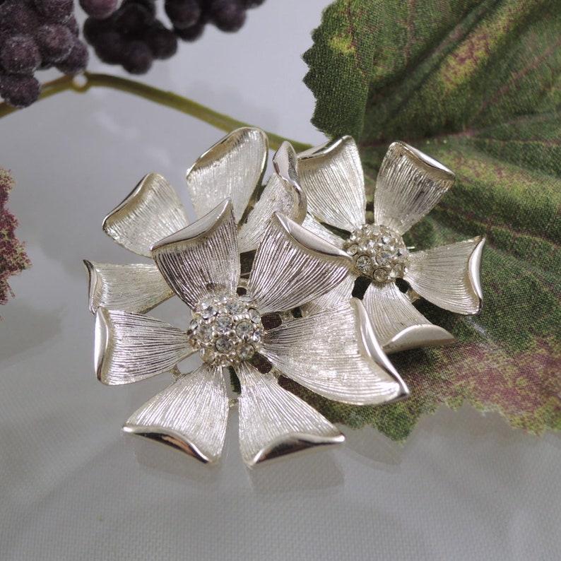 9405f609c40 Vintage 3-D Flower Pin Rhinestone Brooch 3-D Flower Brooch | Etsy