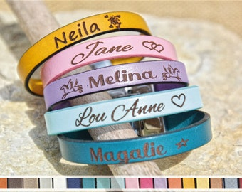 Engraved Leather Bracelet  Woman/Child- Customizable real leather- Customized gift: Personnal Message, First name etc.
