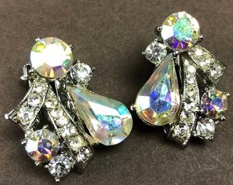 1950s Vintage Signed Weiss Aurora Borealis Rhinestone Clip On Earrings Prong Set