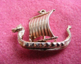 I) Vintage Sterling Silver Charm Saxon war ship with Moving sail