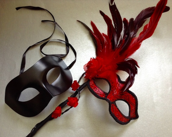 Red Masquerade Lace Mask Pair Feather New Year Eve Costume Christmas Party