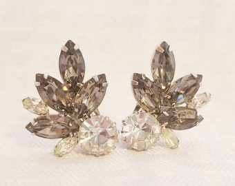 458004ded Gorgeous Weiss Signed Rhinestone Clip Earrings