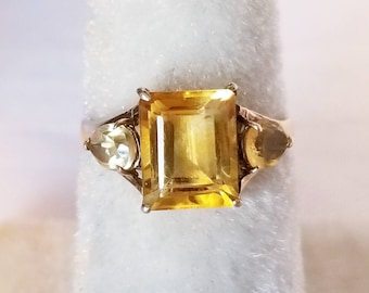 10K Yellow Gold Ring With Citrine Gemstones