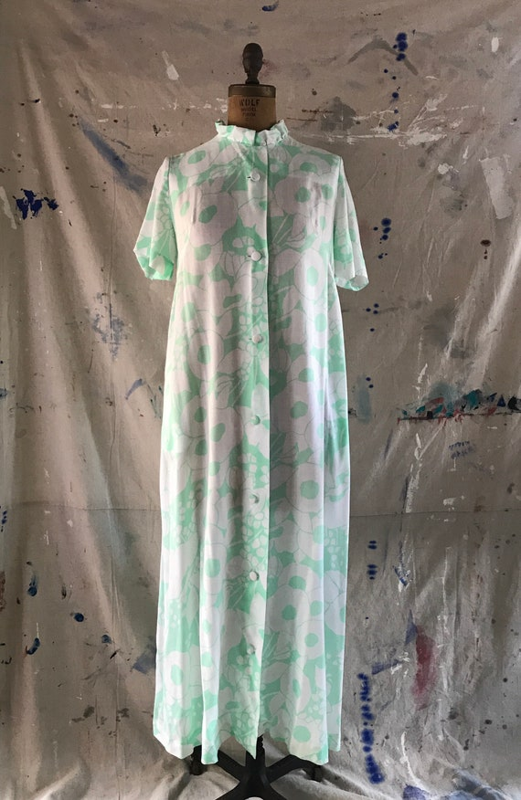 Vintage 1960's House Dress / Robe Green & White Fl