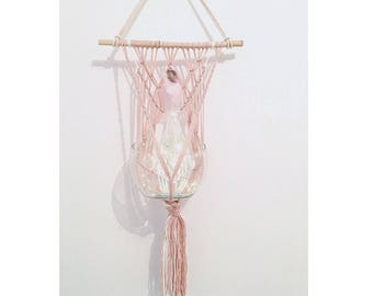 Wall hanging Macrame - powder Pink - White - bamboo - feathers