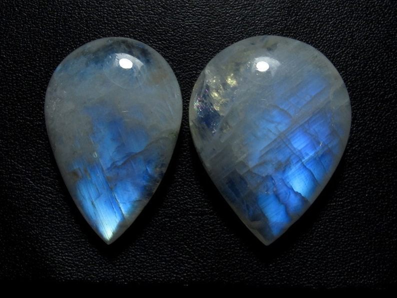 RAINBOW MOONSTONE GEMSTONE,Best quality 3A drilled  blue fire 21x31-24x31mm  briolette shape cabochon weight 90 carat jewelry making