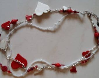Red and white Valentine hearts necklace
