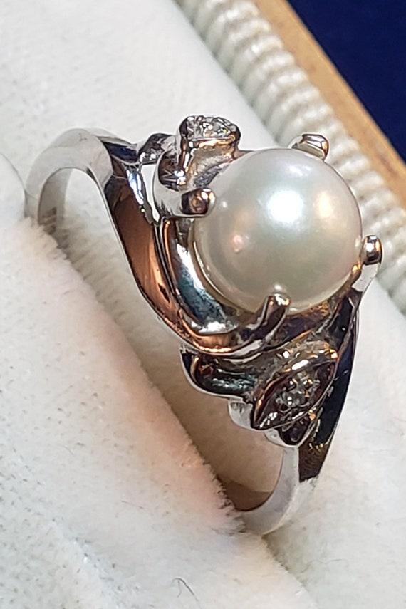Vintage 10K Diamond And Pearl Ring