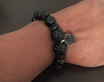 12mm Black stretch bracelet with small pendant